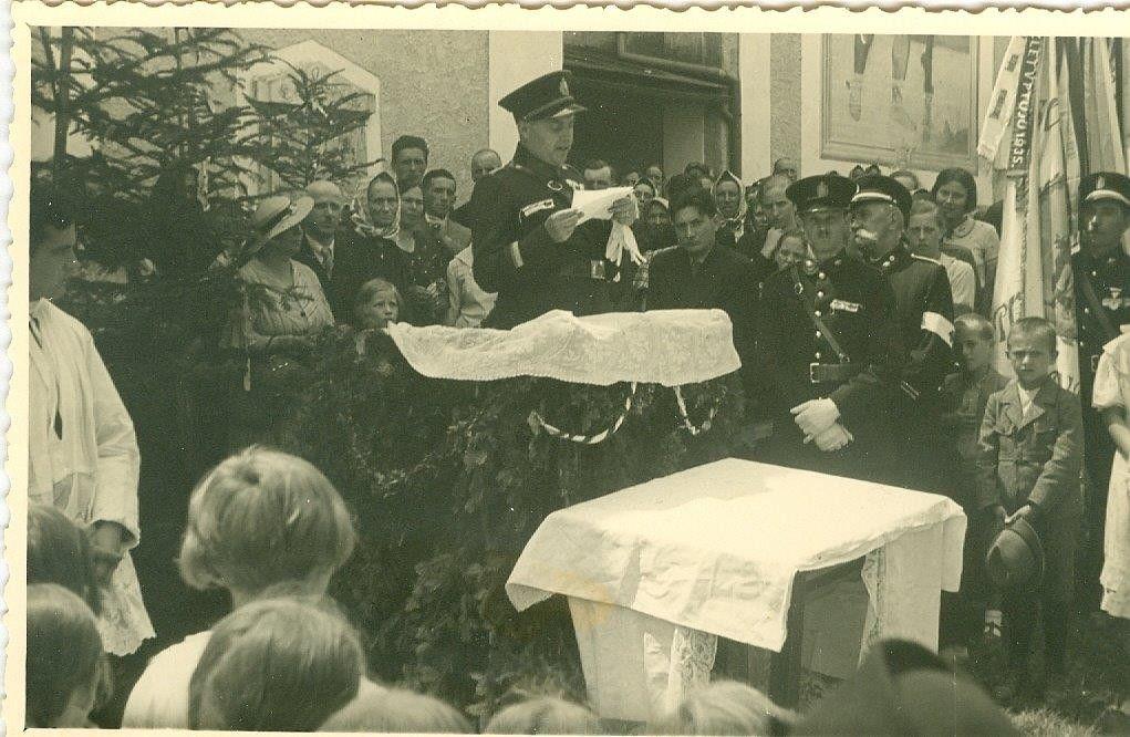 http://www.lovrenc.net/datoteke/jespa/krst-nove-gasilske-brizgalne/krst-motorne-briz-19350004.jpg